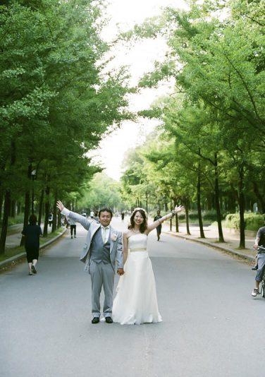 お二人でよくジョギングをしていた思い出の公園で撮影しました。